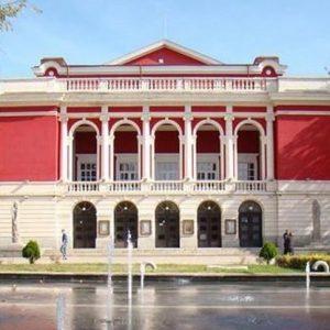 """Коронавирус в операта отлага премиерата на """"Севилският бръснар"""""""