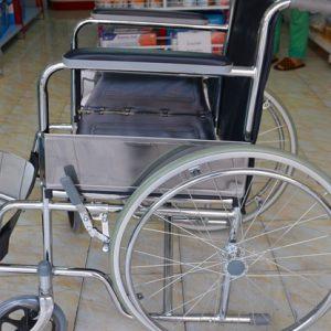 Може ли ученик в инвалидна количка да се придвижва нормално в русенските училища?