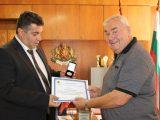Областният управител поздрави кмета Г. Георгиев по повод 45 – години от обявяването на Ветово за град