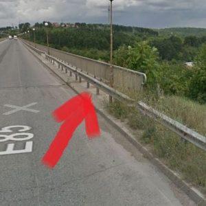 Опасна мантинела на булевард