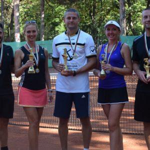 Победителите в турнира по тенис в Русе