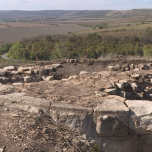 Разкриха уникална римска крепост край село Широково