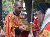 С камбанен звън Русе посрещна чудотворни светини