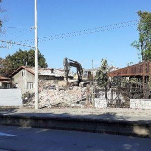 Символ на незаконното строителство в Русе беше съборен след многогодишна сага